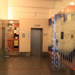 Ingresso palazzo / Palace entrance