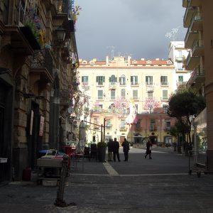 Via Roma Ingresso Piazza Flavio Gioia (La Rotonda)